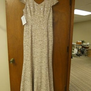 Alex Evenings Gold Sequined Size 16